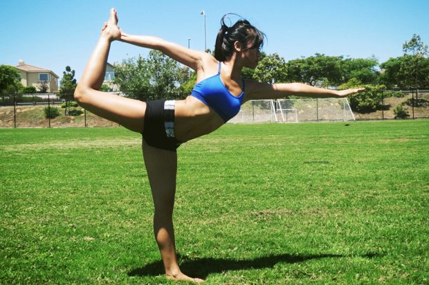 Dancers Pose for flexibility of gluteus muscles